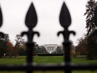 Secret Service: Man shot himself by White House