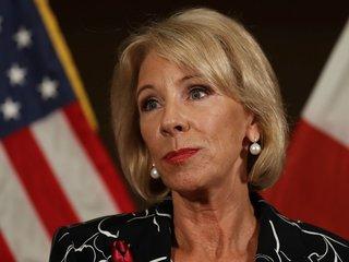 DeVos: Teachers shouldn't have assault weapons