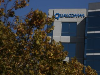 Trump blocks Qualcomm sale to Broadcom