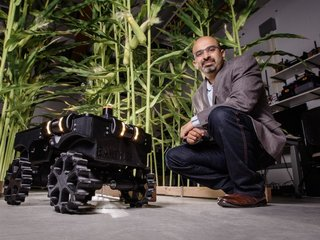 Roomba-like bot helps farmers collect data