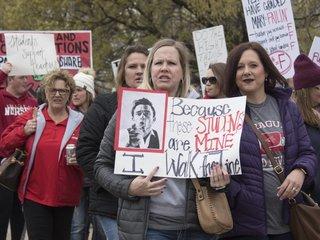 Oklahoma gov. criticizes teachers' demands