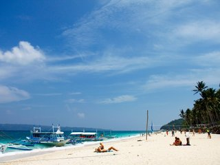 Philippines to close popular tourist island
