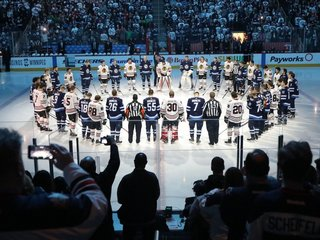 North America mourns after hockey team bus crash