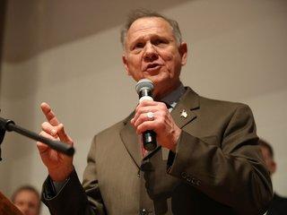 Roy Moore files defamation lawsuit
