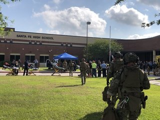 As many as 10 dead after Texas school shooting