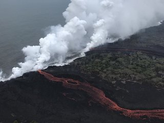 Lava flows create toxic gas in Hawaii
