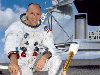 Astronaut Alan Bean dies at 86