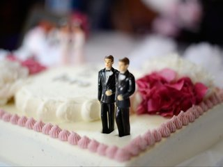 SCOTUS sides with baker in same-sex cake case