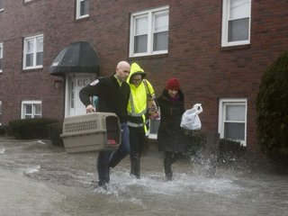 NOAA: High-tide flood rates hit record in US
