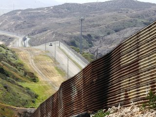 4 more governors won't send troops to border
