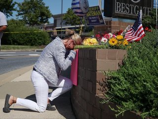Trump lowers flags for Capital Gazette victims