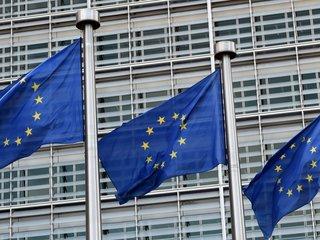Merkel open to lowering EU tariffs on US cars