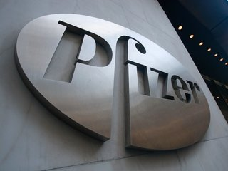 Pfizer agrees to defer drug price hikes