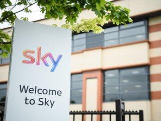 Comcast raises offer for Sky hours after Fox
