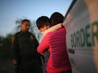 Judge blocks deportation of reunited families