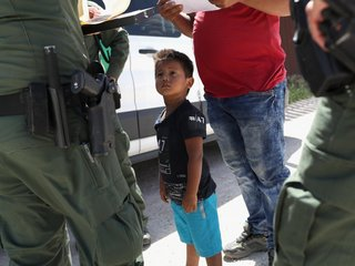 Thousands of migrant children still separated