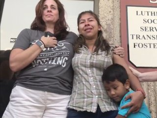 How a group of moms reunited a migrant family