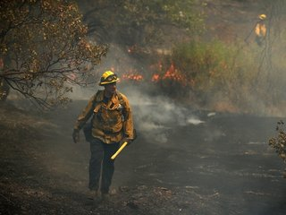 Warming climate means longer wildfire season