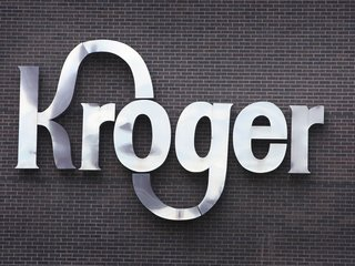 Kroger will stop using plastic bags by 2025