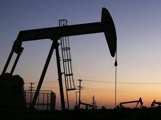 Trump rolls back Obama-era methane leak rule