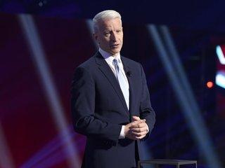 No, Anderson Cooper didn't fake flood depths