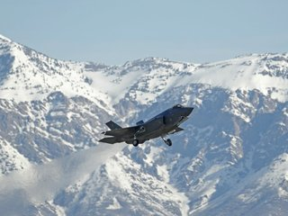 Pentagon's F-35s cleared after inspections