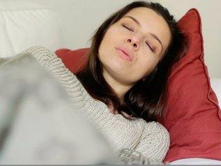 Who uses music to help themselves sleep?